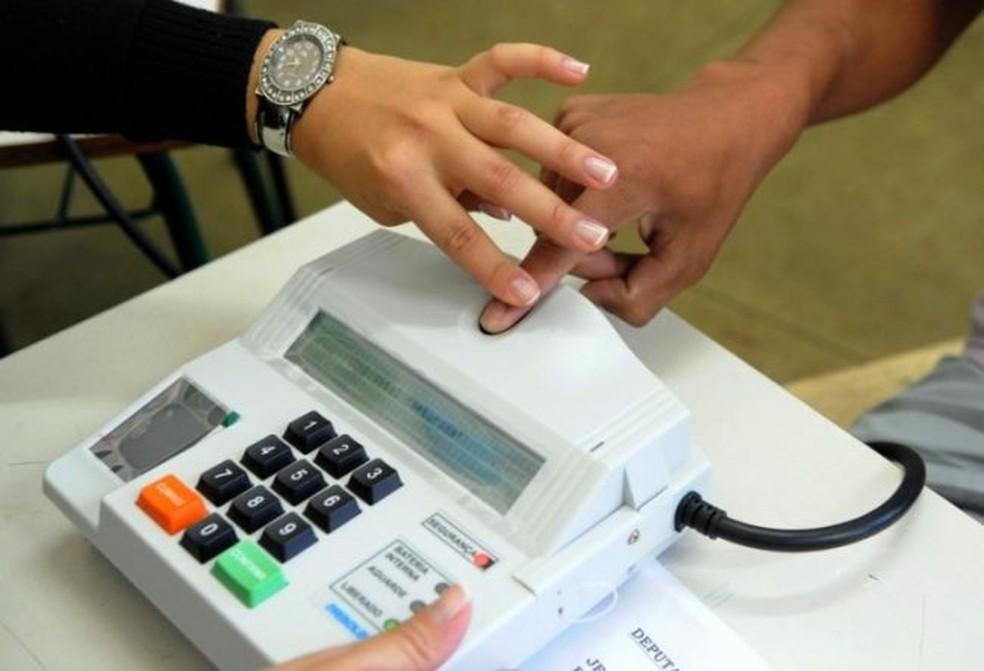 Eleitor agora pode votar com o aplicativo e-Título