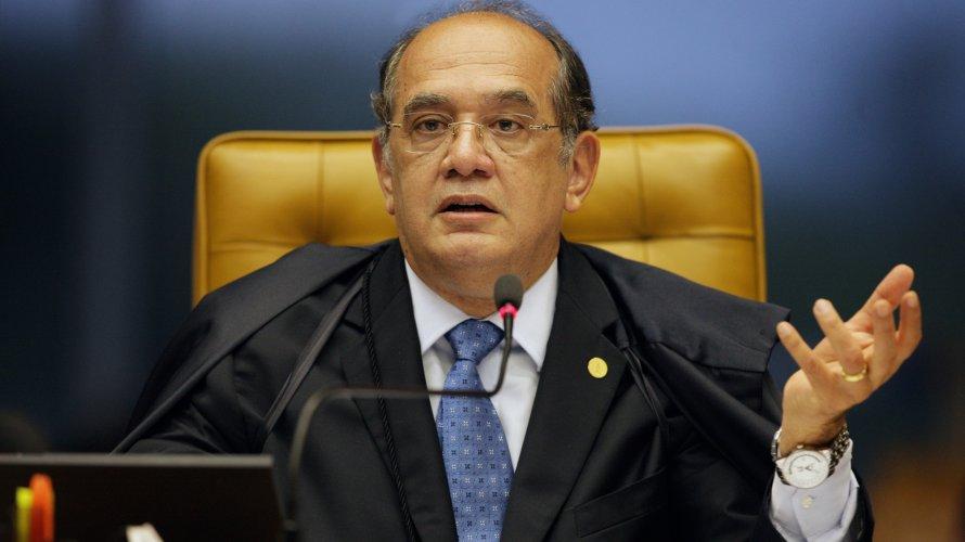 Ministro do TSE solta presidente do PR
