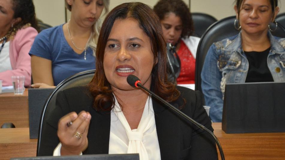Resultado de imagem para Em audiência com secretários, Kátia Oliveira defende ampliação de políticas de combate à violência contra a mulher